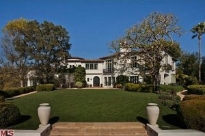the-home-sits-on-1-34-acres-of-manicured-land