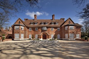 heath-hall-is-set-on-two-acres-on-one-of-the-most-exclusive-streets-in-london