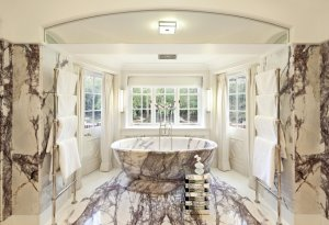 the-bathrooms-are-exquisite-materials-include-12-types-of-marble-and-7-types-of-wood