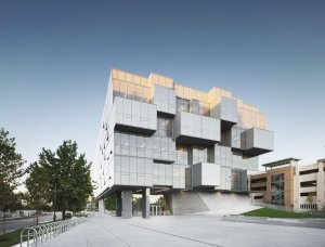 ch-facility-popular-ubc-faculty-of-pharmaceutical-sciences-in-vancouver-canada-saucier-and-perrotte-architectes-and-hughes-condon-marler-architects