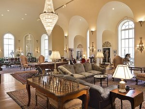 housed-the-famous-hotels-ballroom-and-the-living-room-is-considered-the-most-magnificent-privately-owned-room-in-the-world-according-to-the-listing