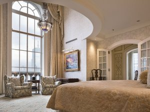 there-are-16-rooms-in-total-including-five-bedrooms