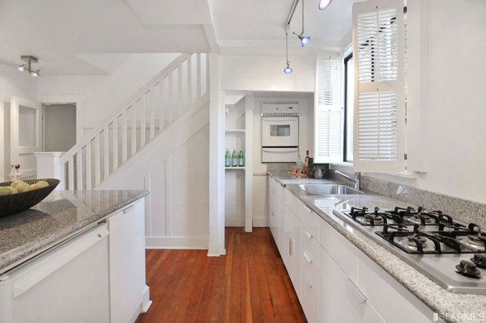 554-46th-Avenue-Kitchen1