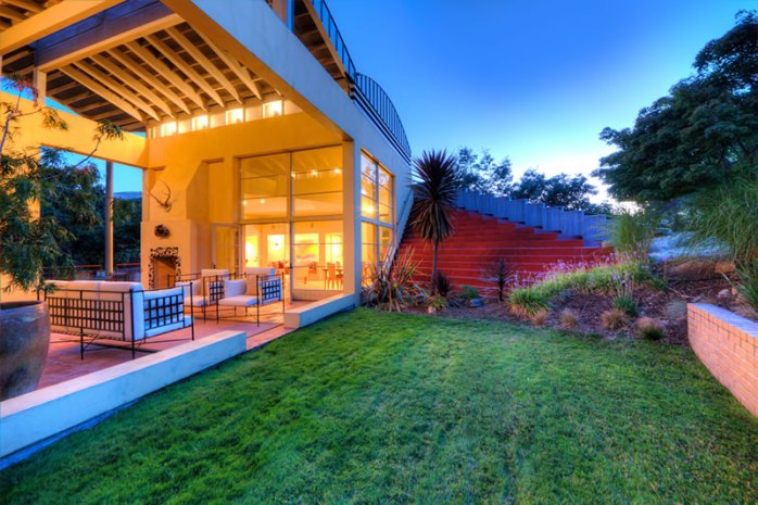 20-Westgate-Drive-Outdoor-Living
